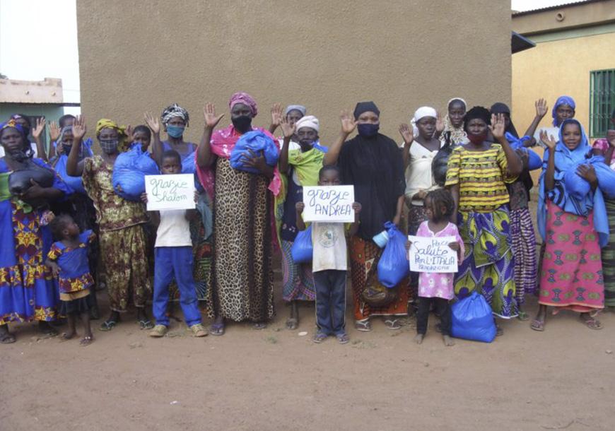 Consegna di cibo e mascherine in Burkina Faso